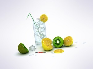 Tonic with lemon and kiwi