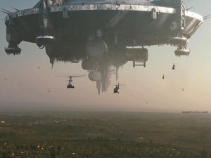 "Mother ship ""District 9"""