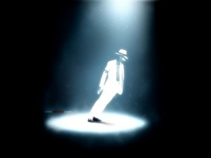 Michael Jackson inclined in Smooth Criminal
