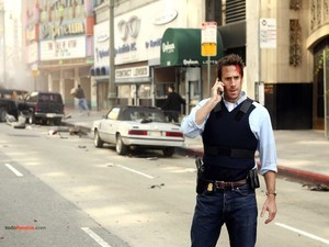 FBI Agent Mark Benford (Joseph Fiennes) in FlashForward