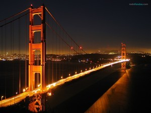 Golden Gate Bridge at night (California)