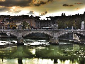 Ponte Vittorio Emanuele II, in Roma