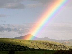 Rainbow, photographed in the outsides of Mitchell, Oregon