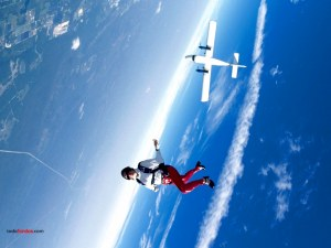 Enjoying the fall (skydiving)