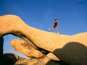 Running on the rock, in Joshua Tree (California)