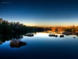 Calm waters, in Folsom (California)