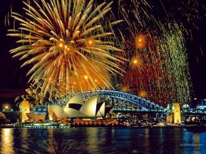 Fireworks over the Sydney Opera House (Australia)