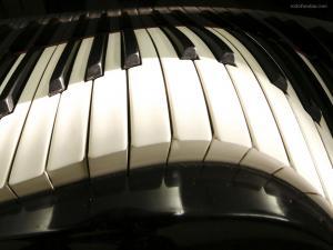 Deformed piano keyboard
