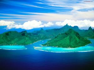 Opunohu Bay (on the island of Moorea, Tahiti)