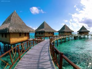 Hotel in Tuamotu Archipelago (French Polynesia)