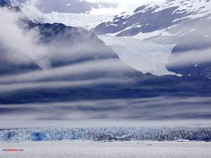 Clouds in the frozen mountains