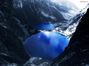 Lakes between mountains