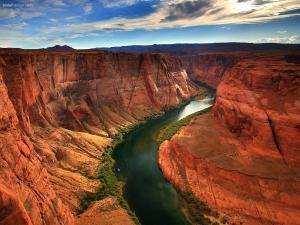 River cruising the Grand Canyon