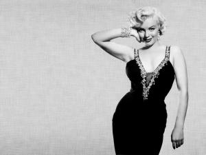 The curves of Marilyn