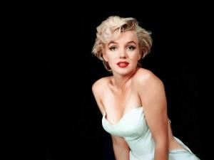 Marilyn, blonde with white dress