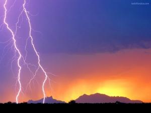 Parallel lightnings
