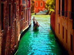 Tour by Venice