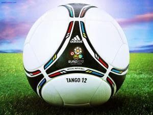 Adidas Tango/12 balloon (Euro 2012)