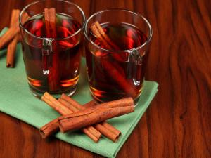 Red wine with cinnamon