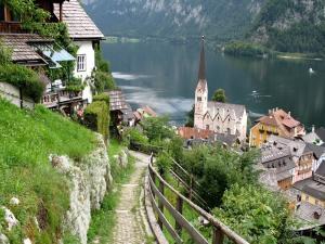 Lake Hallstätter See (in the village of Hallstatt, Austria)