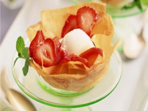 Crunchy with ice cream and strawberries