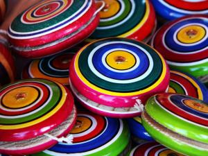Multicolored yoyos