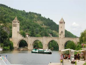 Pont Valentré (Cahors, France)
