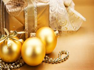 Golden balls and Christmas gifts