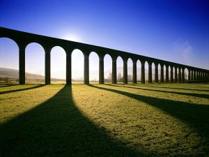 Glenfinnan Viaduct, through which passes the Hogwarts Express (Harry Potter)