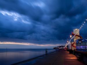 Night walk next to the sea