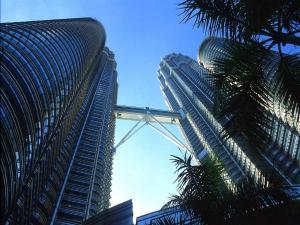 Footbridge linking the Petronas Towers (Kuala Lumpur, Malaysia)