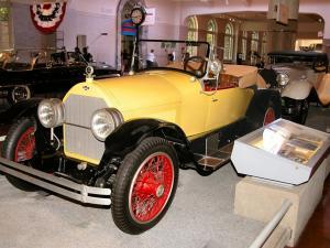 1923 Stutz Bearcat Yellow