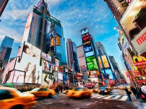 Times Square (42nd Street) in motion (New York)