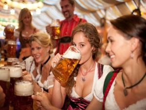 Girls in the Oktoberfest