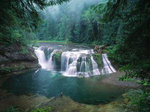 Lower Falls of the Lewis River, Gifford Pinchot National Forest, Washington, USA