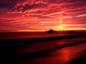 Dusk reddish in Balboa Pier (Newport Beach, California)