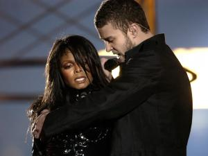 Janet Jackson and Justin Timberlake singing together in the Super Bowl