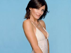 Cameron Diaz of brunette