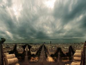 Tenebrous sky from the Arc de Triomphe (Paris)