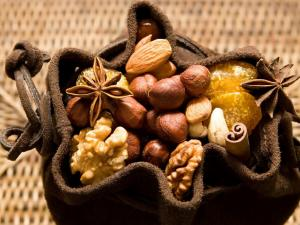 Sachet with nuts