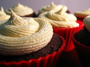 Chocolate and Cream Cupcakes