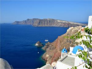 Blue waters on the Santorini Island, Greece