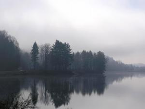 Haze on the lake
