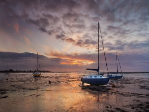 Sailboats in the Blackwater Estuary, at Heybridge (Essex, England)
