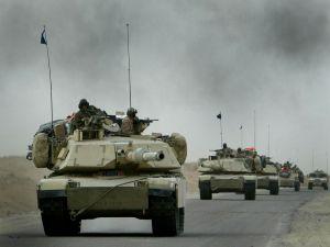 Caravan of tanks in the Iraq War