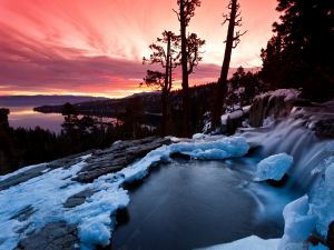 Ice and fire, near Emerald Bay (South Lake Tahoe, California)