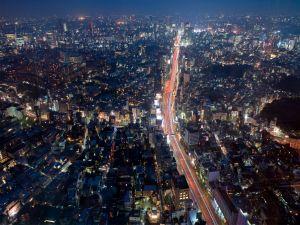 Highway crossing the city of Tokyo, Japan
