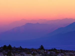 Red and blue tones over the mountains (Whitney Portal, California)