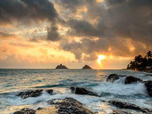 Sun and clouds in Lanikai (Kailua, Hawaii)