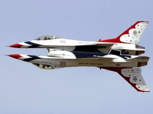 Acrobatics of the acrobatic flight group Thunderbirds (USAF)
